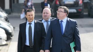 """Няма """"шпицкоманди"""", установи Цацаров след """"очна ставка"""" между следователи"""