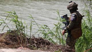 Мексико хвърля 25 000 военни срещу нелегалната миграция по границата