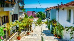 Ковидзалогът на Гърция донесе нови заразени, но не и икономическо облекчение