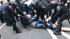 Арестуваха над 120 души на първомайските митинги в Русия