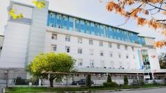 Лекари на протест срещу Covid отделение в софийската онкоболница