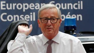 Юнкер спря да говори на английски в Европейския парламент
