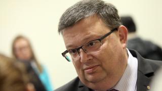 Цацаров поиска имунитета на Марешки, Йончева и още 4 депутати