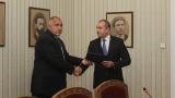 Борисов връчи на Радев изпълнен мандат за съставяне на правителство