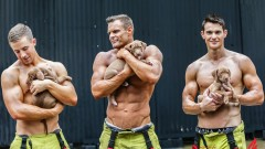 Нов месец - нов секси пожарникар