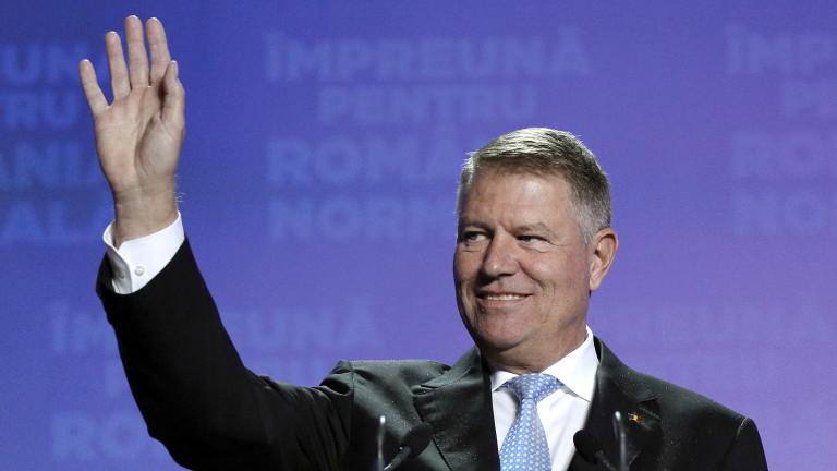Румънският президент Клаус Йоханис печели убедително първия тур на президентските
