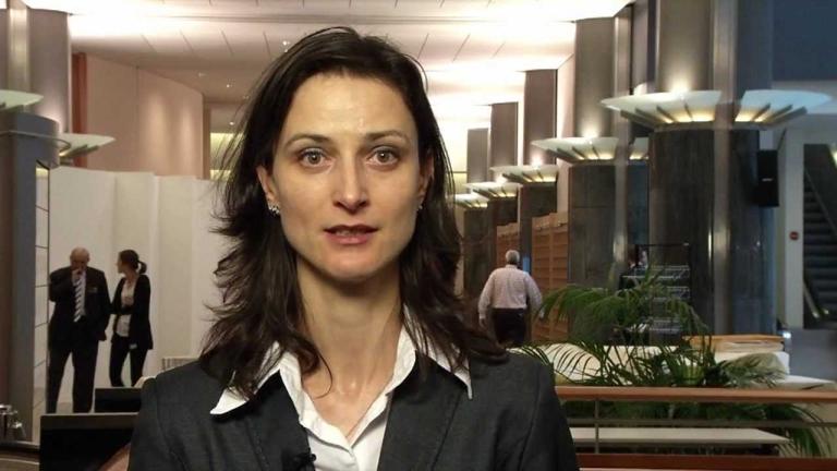 Мария Габриел заложи на киберсигурността; Путин идва в България по покана на Радев