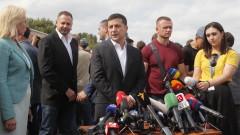 Зеленски призова Запада да не отменя санкциите срещу Русия