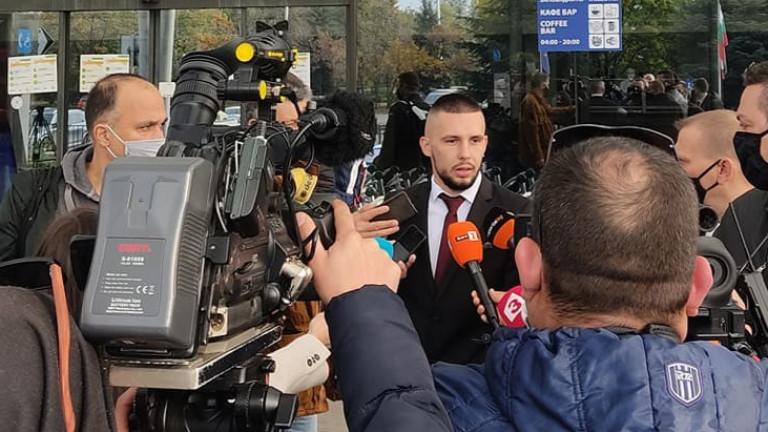 Иван Турицов говори пред медиите при заминаването на ЦСКА за
