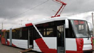 Пускат дизайнерски трамвай с електронно таксуване