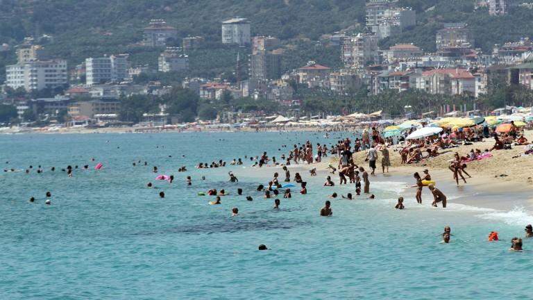 Туристически бум в Турция. От началото страната е посетена от