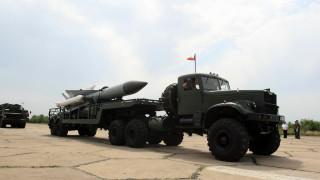 Превоз на военна техника затруднява трафика в шест области