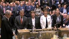 Парламентът в Лондон все пак ще определи какъв ще е разводът с ЕС