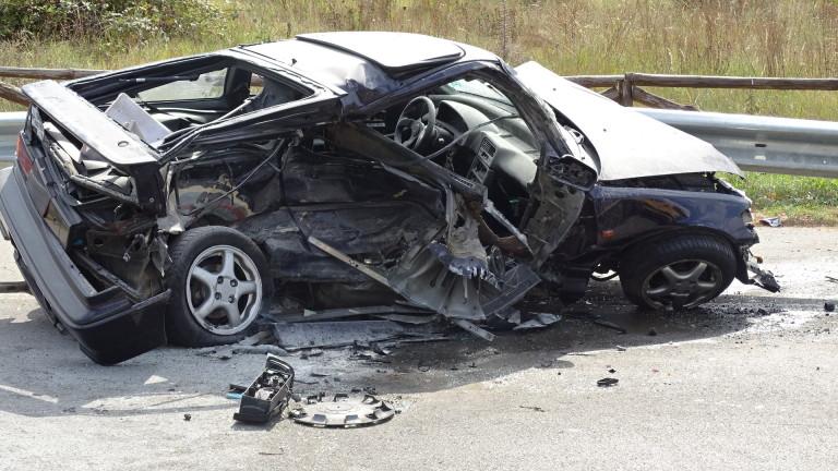 Трима загинаха при катастрофа край Хитрино