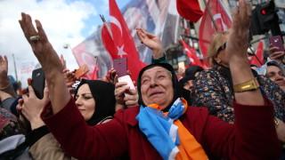 Турция гласува в местни избори, които Ердоган може да загуби в големите градове