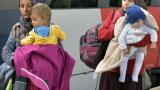 Стотици мигранти пробиха бариерите и кордона и влязоха в Австрия от Словения