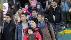 По един бежанец за всеки месец започва работа у нас
