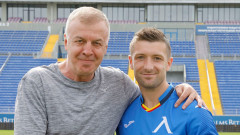 Официално: Драган Михайлович подписа с Левски