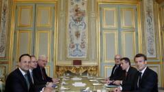 ЕС няма да бъде заложник на политическа криза на Острова, закани се Макрон