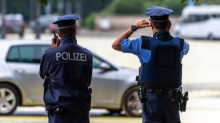 В Германия задържаха 27-годишна за участие в моралната полиция на ДАЕШ