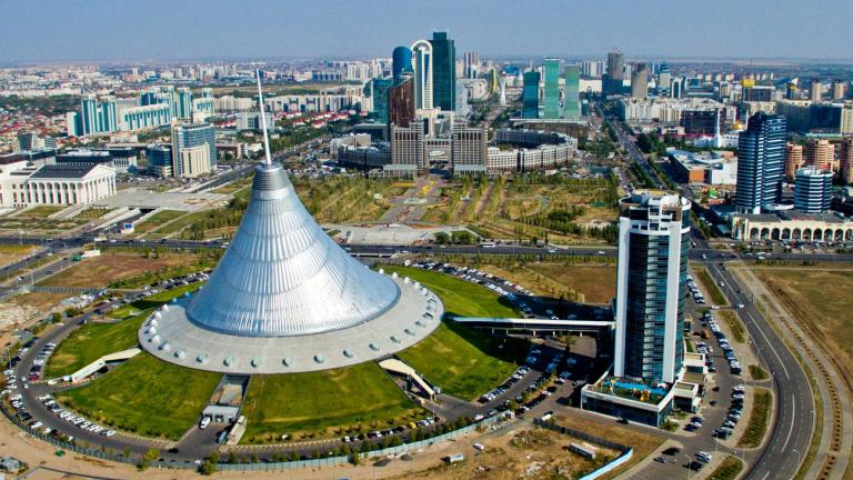 Казахстан: Излизането на САЩ и на Русия от Договора за ракетите връща надпреварата