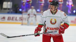 Съотборник на Лукашенко диагностициран с коронавирус