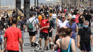 Израел отново прави носенето на маски на закрито задължително