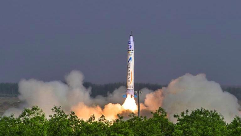 """""""Китайската SpaceX"""" изстреля първата си ракета"""