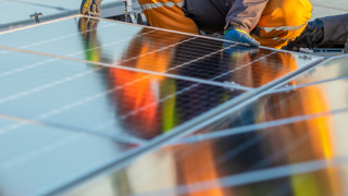 Гърция залага на зелената енергия с проекти за 18 милиарда евро