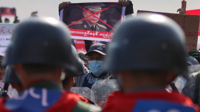 Протестите в Мианмар взеха още жертви