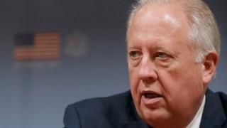 Най-висшият кариерен дипломат на САЩ обяви оттегляне от Държавния департамент