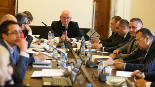 Новите депутати не се съгласиха да работят до 18 ч., за закони ще трябват 121 представители