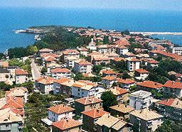 Почистват крайбрежието на Царево