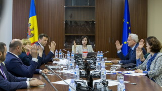 ЕС и НАТО призовават към спокойствие в Молдова