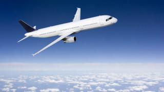 Самолет кацна аварийно в Осло заради сигнал за бомба
