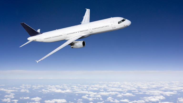 Седем пътници пострадаха при аварийно кацане на самолет на Hawaiian