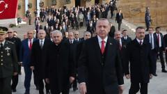 4-ма турски войници загинаха при взрив на оръжеен склад