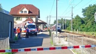 Трима души пострадаха при инцидент с международен влак в Швейцария