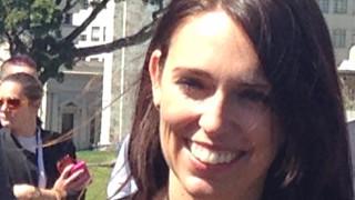 Лейбъристите в Нова Зеландия сключиха коалиционна сделка с националистите и Зелената партия