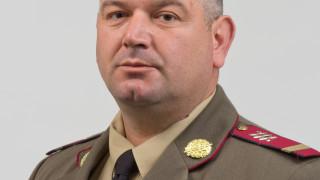 Военен защити дама от кражба в центъра на Карлово