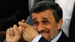 Бившият ирански президент хардлайнер Ахмадинеджад пак иска да е държавен глава