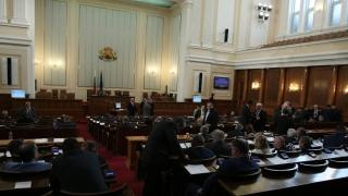 Парламентът се включва в борбата с контрабандата