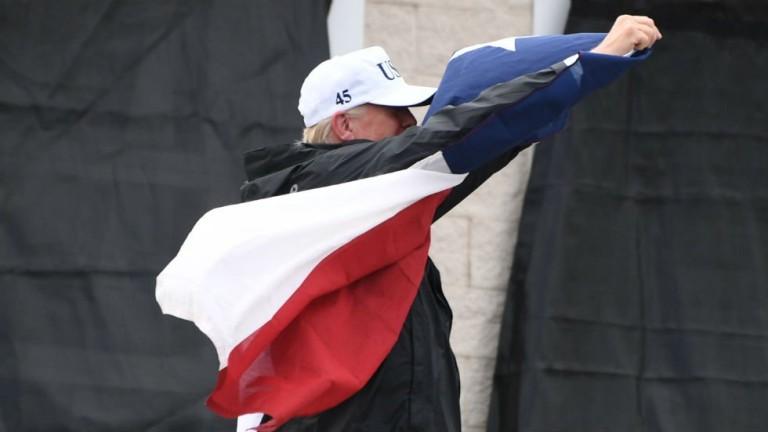 Доналд Тръмп и Мелания дават рамо на Тексас