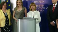 Обществото ни спря да вадим автори от учебниците, призна Клисарова