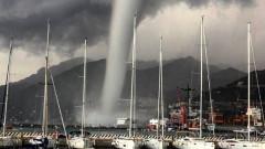 Голямо водно торнадо се образува до Салерно