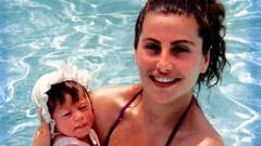 Дарина Павлова показа дъщеря си като бебе