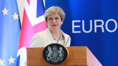 Консерваторите и юнионистите сформираха британско правителство на малцинството