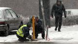 Няма инциденти и затворени пътища заради снеговалежа, отчете се властта