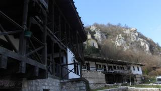 Откраднаха икона и кутия с дарения от Черепишкия манастир