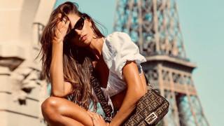 Поредната секси ваканция на Изабел Гулар